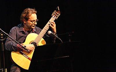 """""""Hands Free"""" Peter Floor, gitaar"""